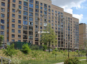 Вид на комплекс со стороны двора